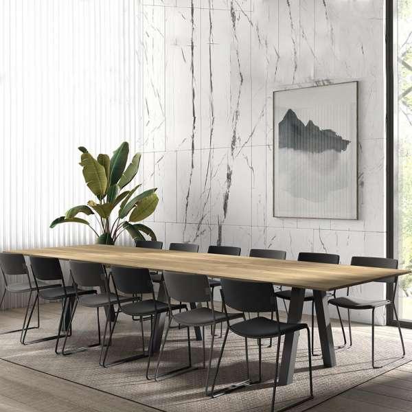 Grande Table De Salle A Manger En Melamine Avec Pieds Obliques Veneto