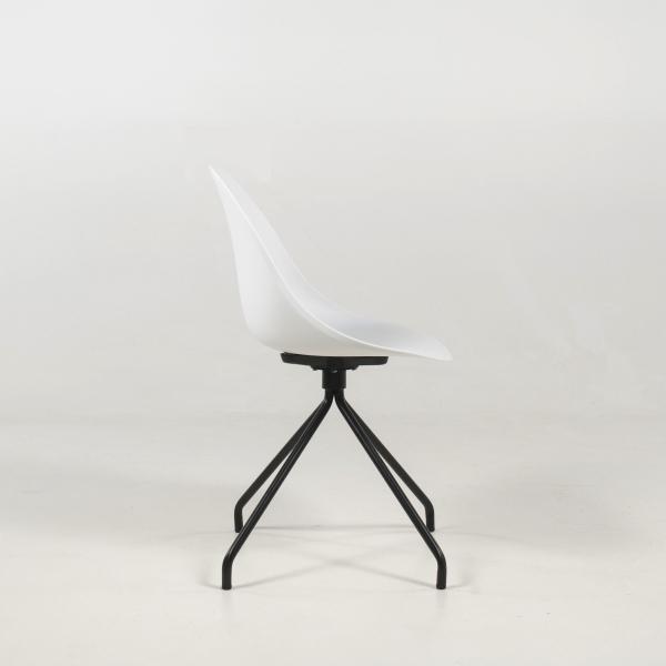 Chaise design blanche en polypropylène pieds métal - Comète - 9