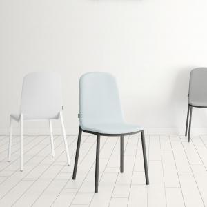 Chaise tendance rembourrée bleue ciel - Moly