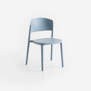 Chaise de terrasse moderne empilable en technopolymère bleu ciel - Abuela