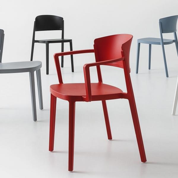 Chaise avec accoudoirs empilable en plastique rouge - Abuela B - 4