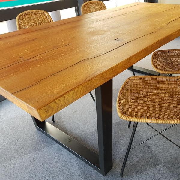 Table industrielle rectangulaire en bois massif avec pieds traîneau - Planète - 7