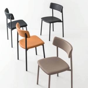 chaises rembourrées pieds métal Up Connubia®