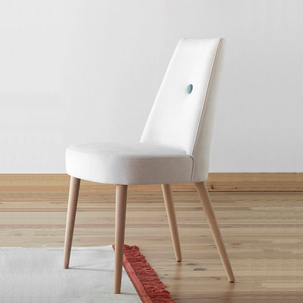 Chaise confortable en bois et tissu - Brisa - 1