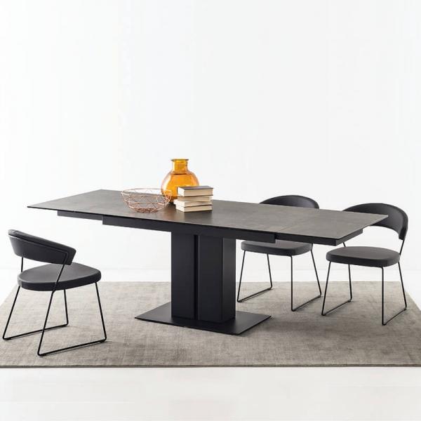 Table en céramique noire avec pied central en métal extensible - Pegaso Connubia® - 2