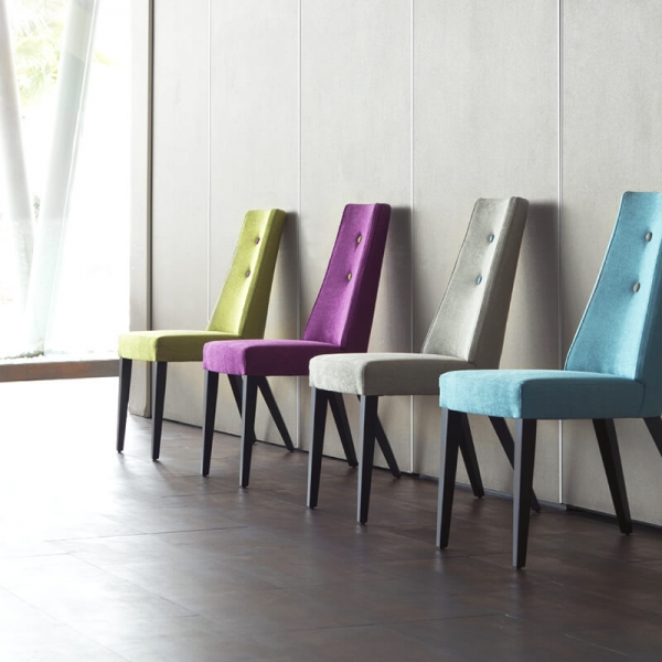 Chaise en tissu et pieds bois - Park - 1