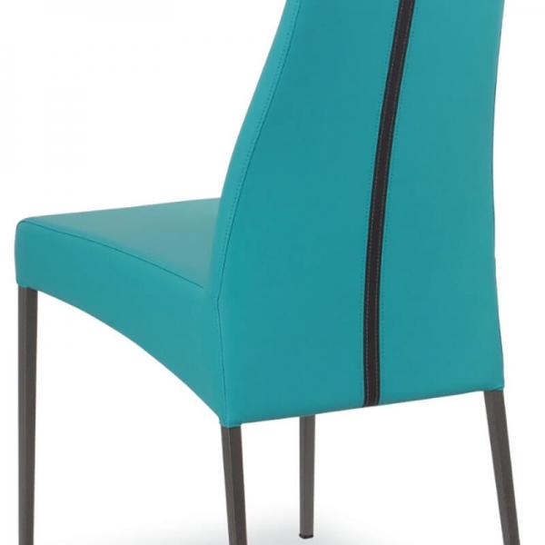détail du dossier de la chaise en cuir - Carla - 10