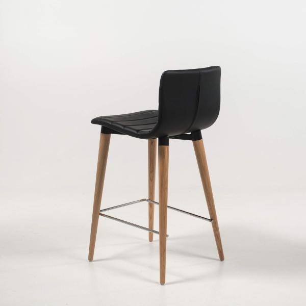 Tabouret scandinave 65 cm noir et pieds bois - Doris - 7