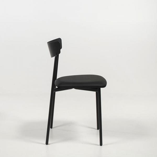 Chaise moderne noire rembourrée pieds métal  - Clip - 2