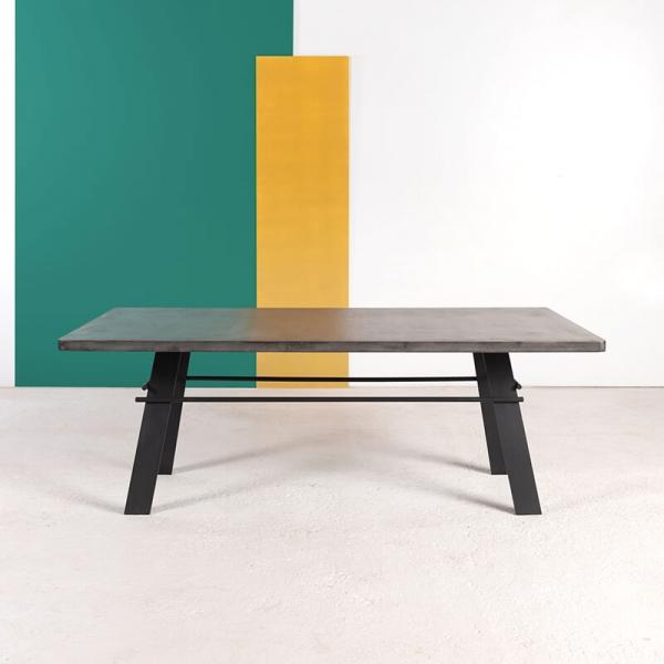 Table design en béton ciré pieds métal made in France - Opale - 1