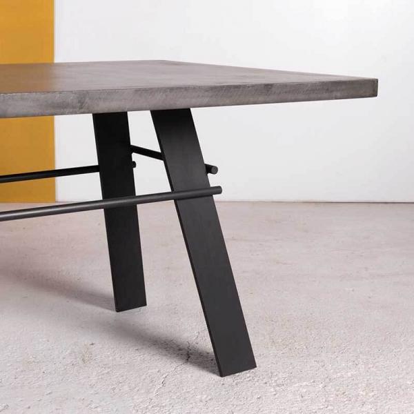 Table fabriquée en France béton ciré pieds métal - Opale - 4