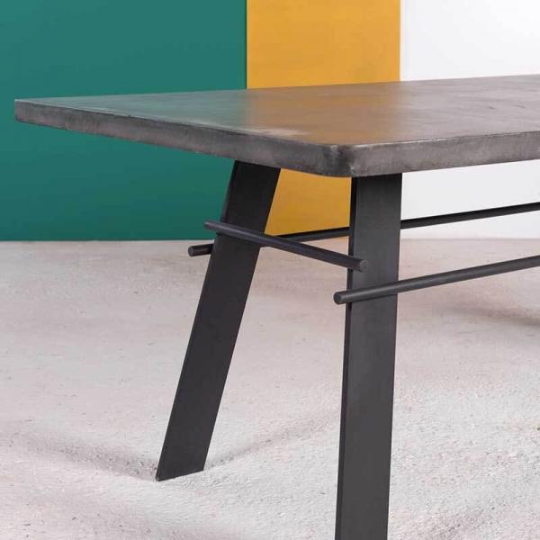 Table française béton ciré pieds métal - Opale - 5