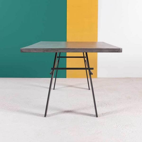 Table tendance béton ciré et pieds métal made in France - Opale - 6