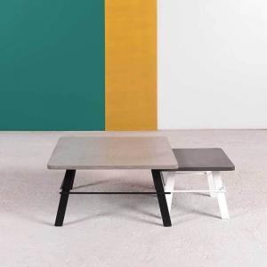 Table basse design carrée en béton ciré gris fabrication française - Opale