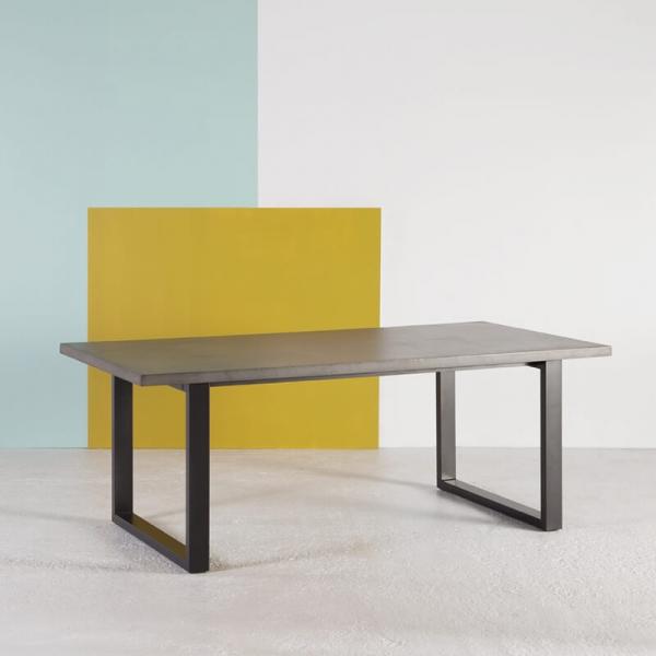 Table industrielle française en béton ciré pieds traîneau - Eternelle - 1