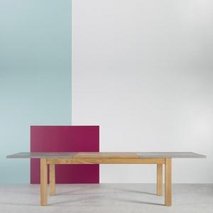 Table française extensible en béton ciré et bois massif - Repas