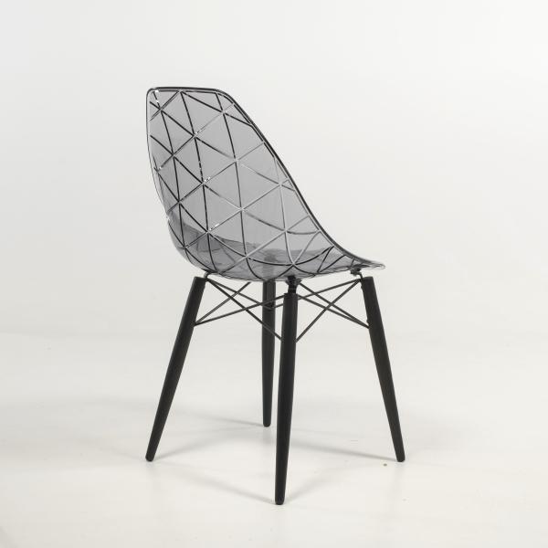 Chaise design coque transparente fumée avec pieds en bois noir - Prisma - 16