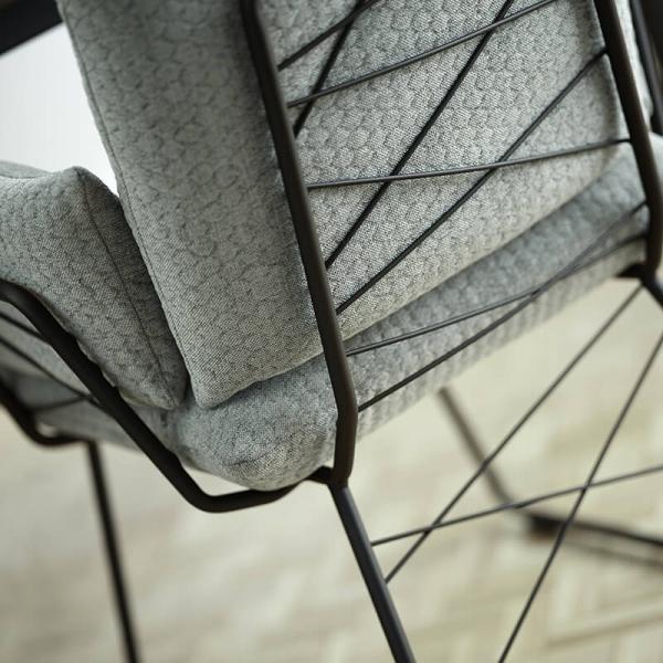 Fauteuil design confortable assise en tissu vert et pieds en métal noir - Cosy Mobitec® - 11