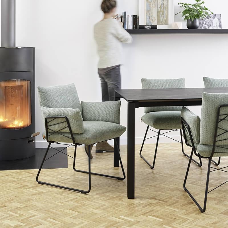 Fauteuil Design Metal: Fauteuil Design Confortable Assise En Tissu Et Pieds En