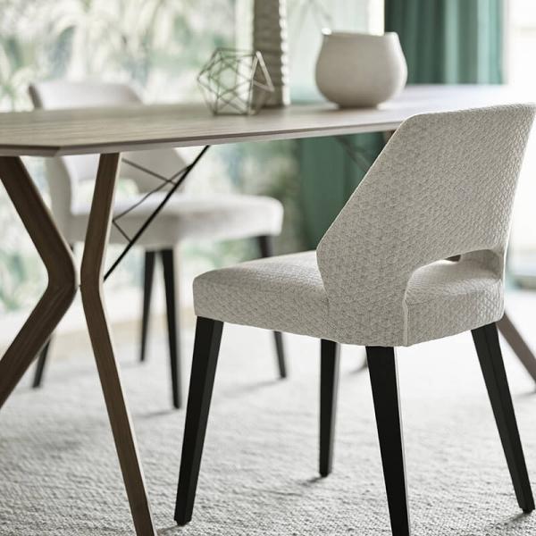 Chaise tendance ajourée en tissu et pieds bois style moderne - Mobitec® - 4
