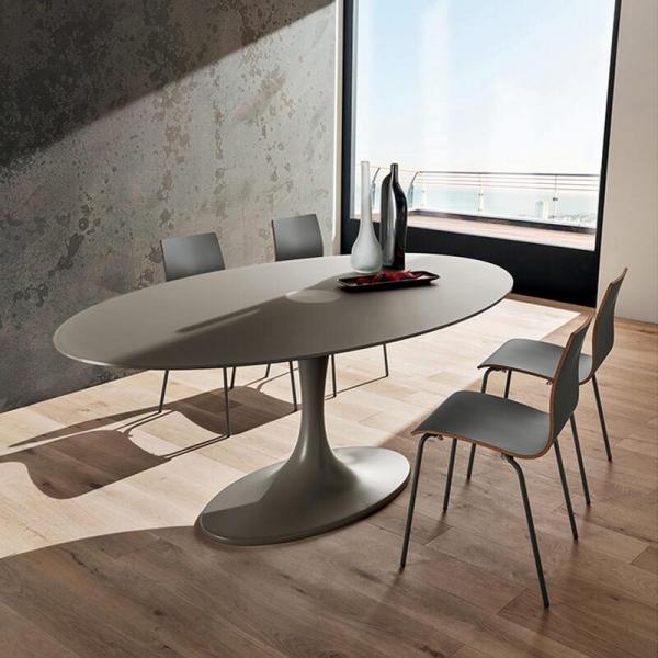 Table design ovale en verre opaque gris pied tulipe - Ruud  - 1