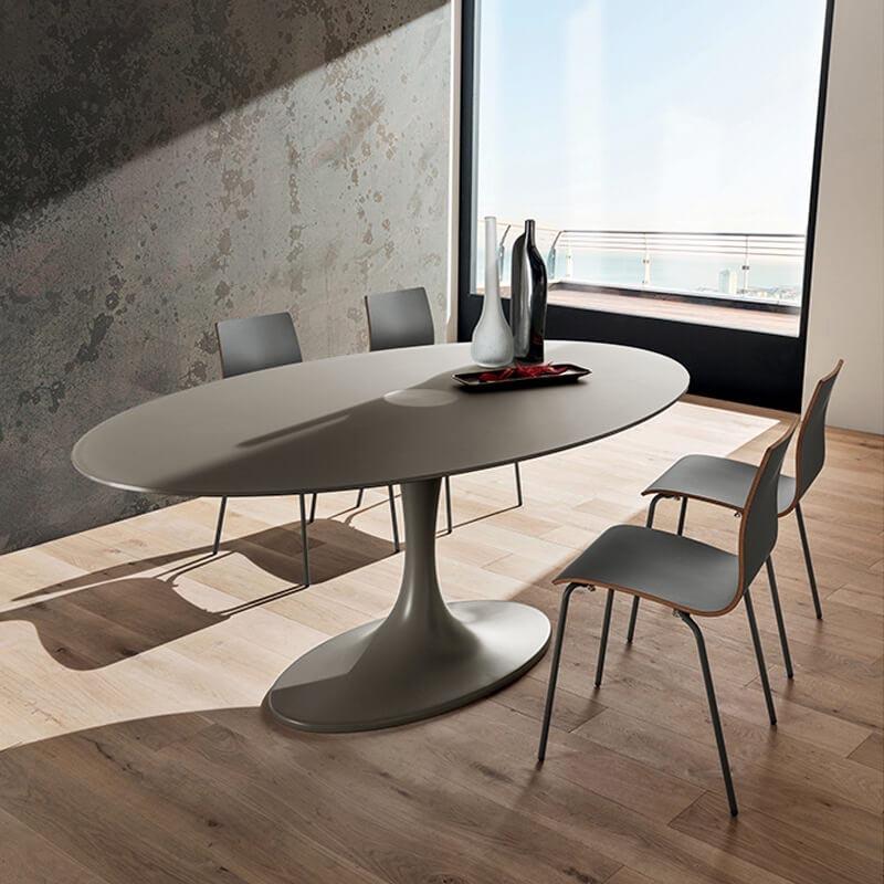 Table Design Ovale En Verre Pied Tulipe Ruud 4 Pieds Com