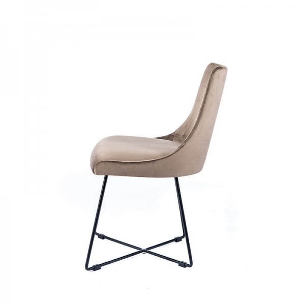 Chaise design en tissu gris clair et pieds métal noirs - Lars - 4
