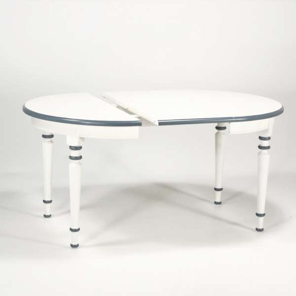 Table ronde made in France avec allonges style provençal en chêne massif - 4 Pieds - 6
