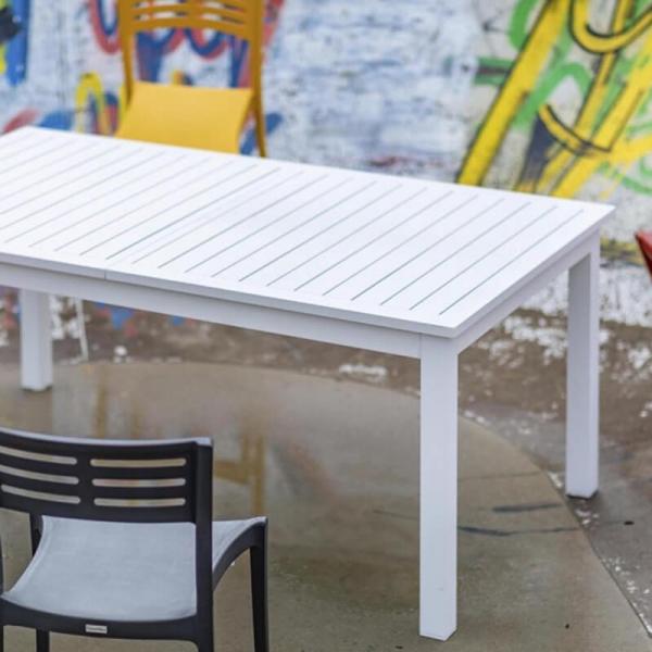 Table extensible d'extérieur blanche - Triptic Grosfillex - 6