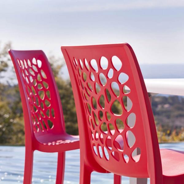 Chaise d'extérieur rouge empilable dossier original - Tulipe Grosfillex - 2