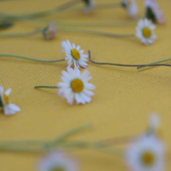 Coussin en tissu jaune chiné - Yéyé Grosfillex - 25