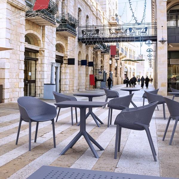 Petite table de jardin carrée en résine grise - Sky - 5