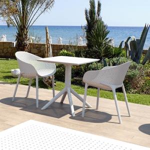 Petite table de jardin carrée en résine blanche - Sky
