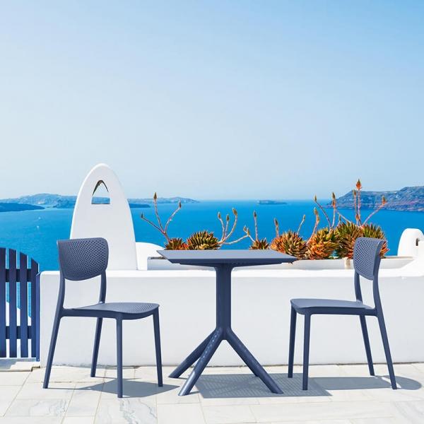 Petite table de jardin carrée en résine grise - Sky - 2