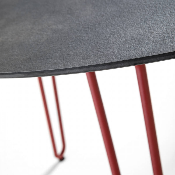 Table design ronde et pieds en métal rouge - Ramatuelle Grosfillex - 8