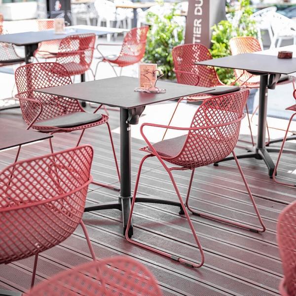 Chaise design rouge pour le jardin - Ramatuelle Grosfillex - 29