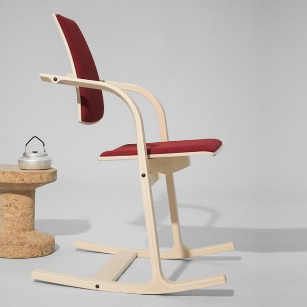 Chaise de bureau ergonomique en tissu rouge - Actulum Varier® - 4