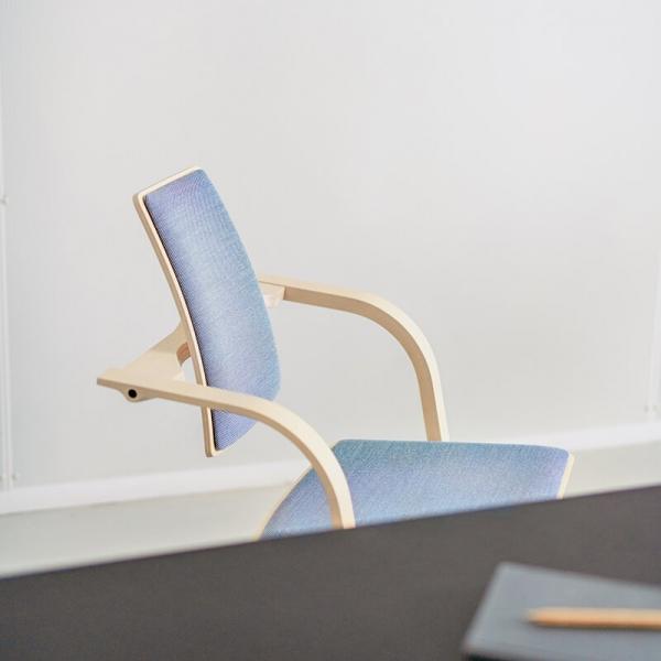Chaise à bascule de bureau ergonomique bleue - Actulum Varier® - 3
