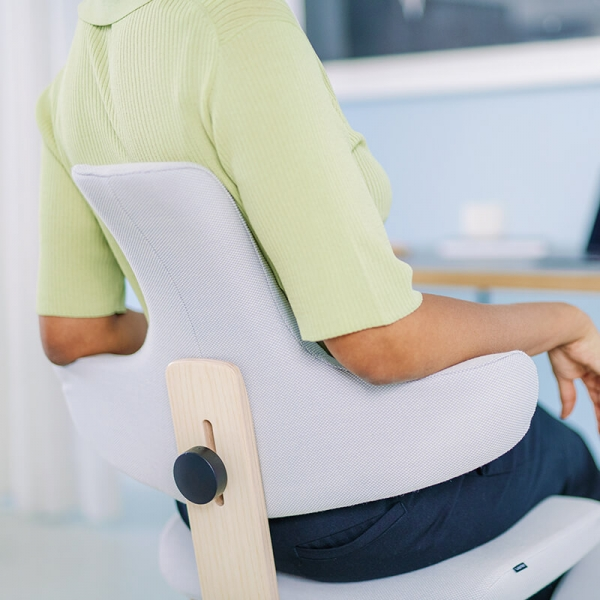 Chaise ergonomique de bureau en tissu blanc - ThatSit Varier® - 6