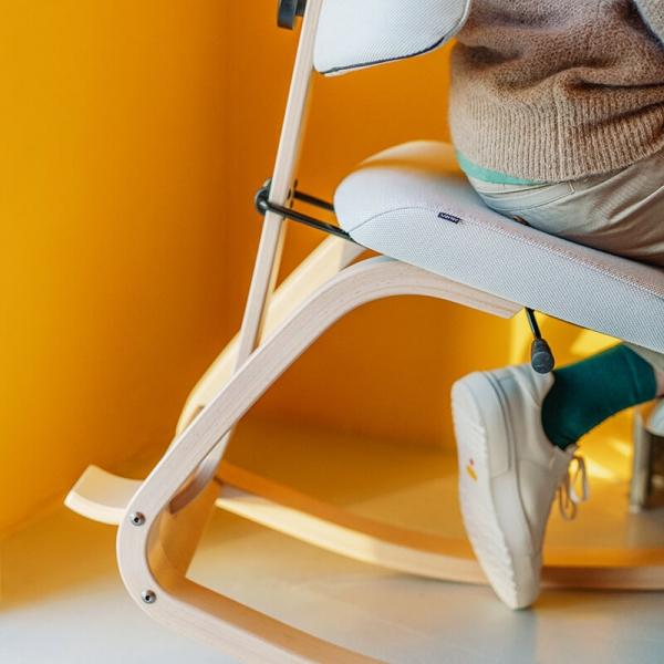 Chaise à bascule ergonomique blanche - ThatSit Varier® - 7