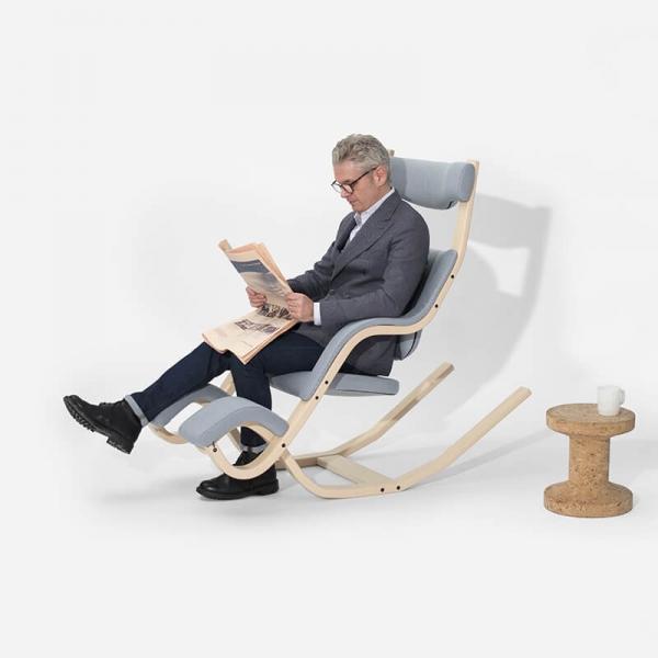 Fauteuil relax ergonomique en tissu bleu ciel - Gravity Varier® - 9