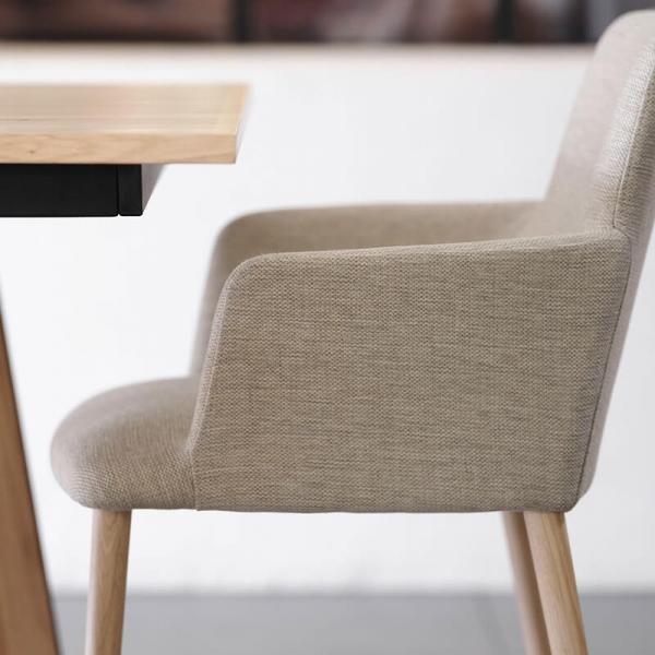 Fauteuil à manger gris clair avec pieds en bois - Rob Mobitec - 4