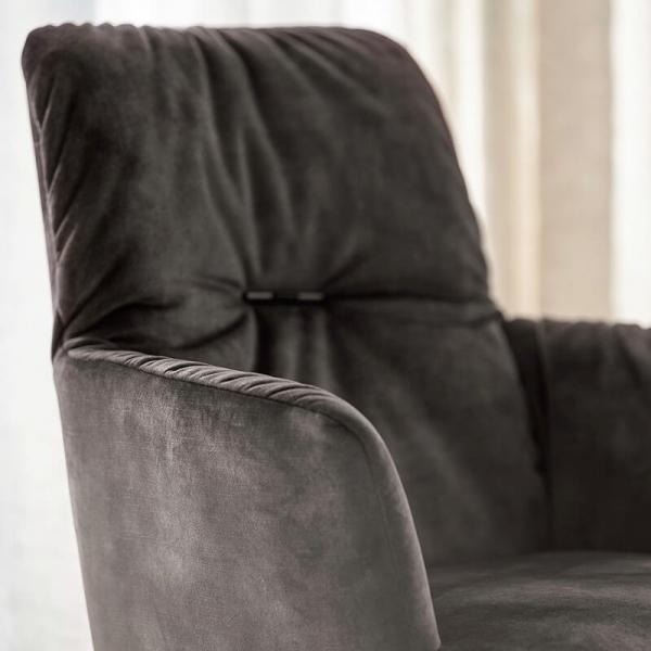 Chaise avec accoudoirs en tissu et pieds bois - Aura Mobitec® - 7