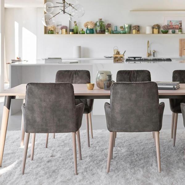 Chaise avec accoudoirs style cocooning en tissu et pieds bois - Aura Mobitec® - 5