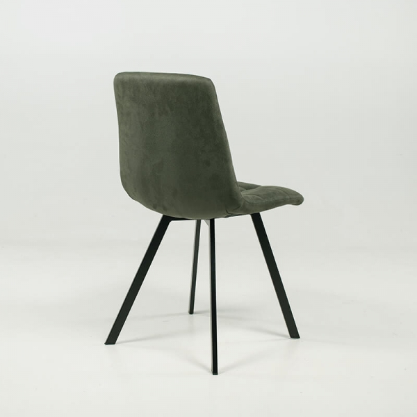 Chaise moderne matelassée verte avec pieds en métal noir  - Carvi - 16