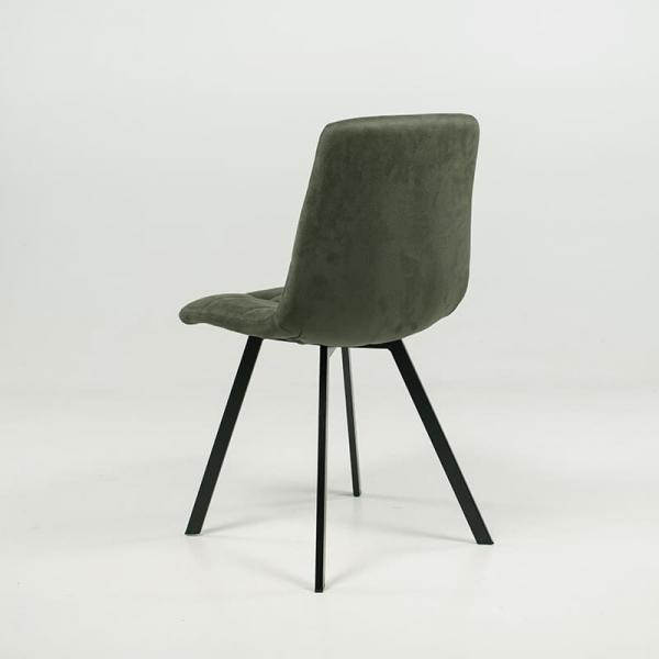 Chaise tendance matelassée verte avec pieds en métal noir  - Carvi - 7