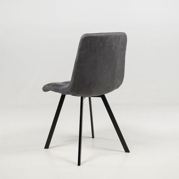 Chaise tendance rembourrée et matelassée en tissu gris clair - Carvi - 17