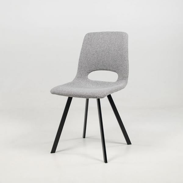 Chaise ajourée en tissu gris clair et pieds en métal noir - Pepper - 11