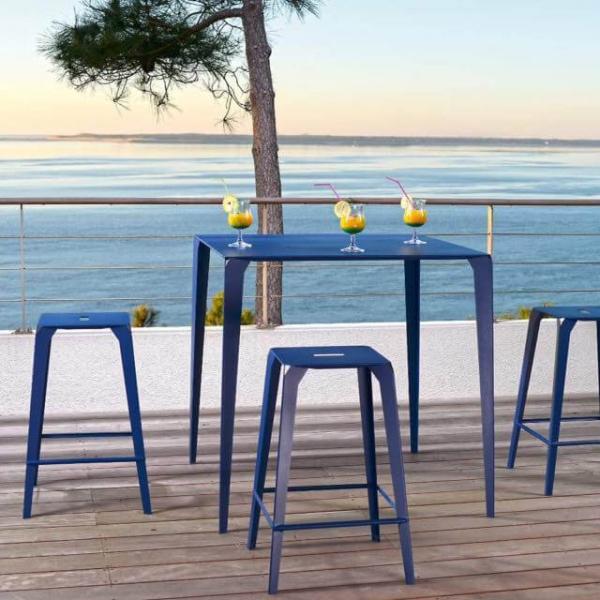 Table snack industrielle carrée pour jardin en métal bleu - Valence - 1