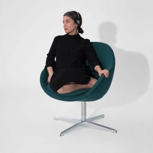 Fauteuil pivotant confortable en tissu vert design - Kokon club